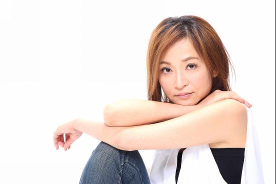 专访《衣帽间》主演姚坤君   一人分饰七角是如何做到的