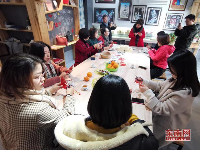 柘荣剪纸文创馆举办剪纸艺术体验活动