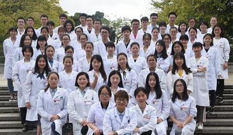 """福州一高校现""""学霸班"""" 48人考研44人被录取"""