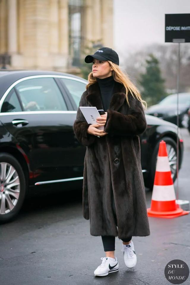 谁说想要显瘦只能穿黑色 这些方法每一个都比穿黑色好