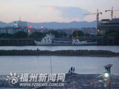 """警示牌未能""""警示"""" 鳌峰大桥附近小伙溺亡"""