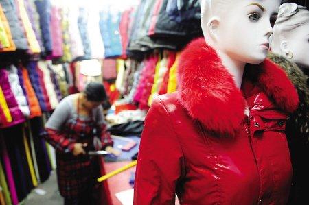 棉制品价格飙涨 带火羽绒服棉被翻新生意