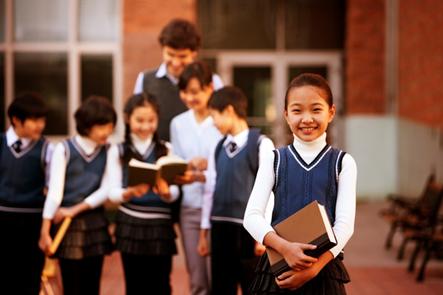 教育时评:让每一个孩子都免于恐惧与伤害