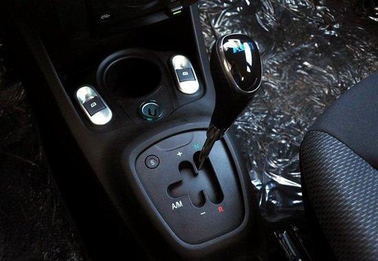 比亚迪f0改自动挡_小车也疯狂试驾比亚迪F0自动挡