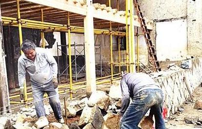 闽清宏琳厝修复新进展 部分房屋木结构开始吊装