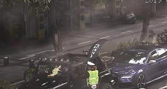 漳州7辆非法改装豪车在市区狂奔被查