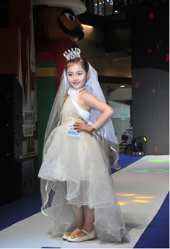 2014 2015 t台 时装秀 时装周 秀场 走秀 555_815 竖版 竖屏图片