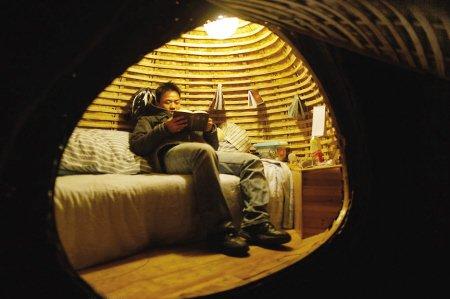 6427元盖个蛋 北漂青年建蛋形蜗居避高房价