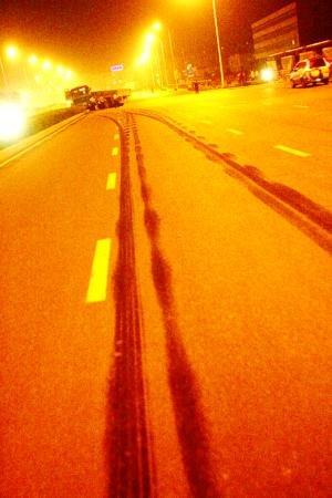 横穿马路 福峡路一男子被撞死