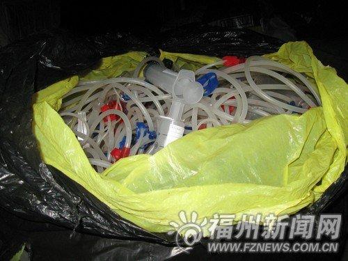 400公斤医疗废物藏身废品店 环保部门及时查扣