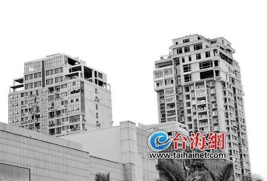 豪宅楼顶盖五层 大别墅 城管来几次就没下文了
