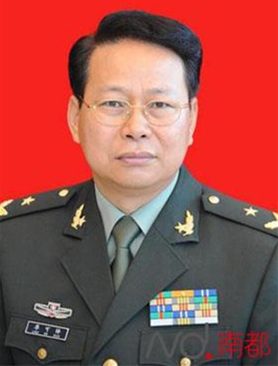 东部战区陆军成立大会在福州举行 重装铁甲亮