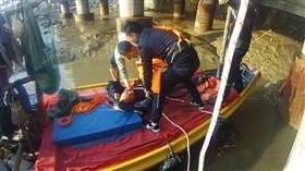 泉州晋江大桥一男子轻生跳桥 浮在水面一动不动