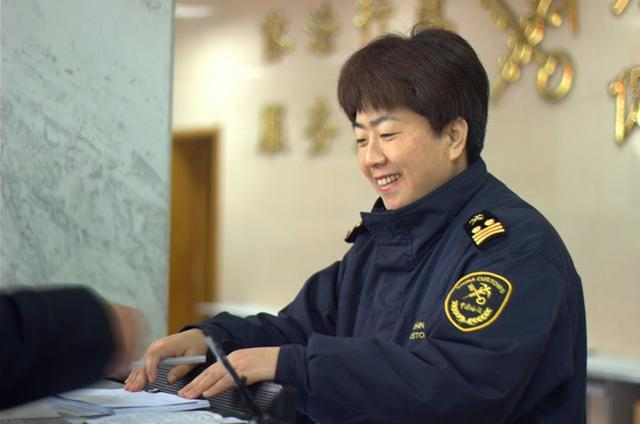 2014微笑之星:福州海关刘建英温馨事迹