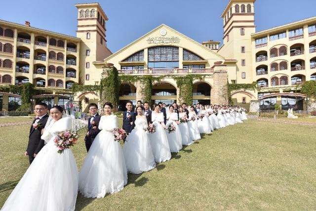百名建设者鹭岛举行集体婚礼 工友:感恩圆梦