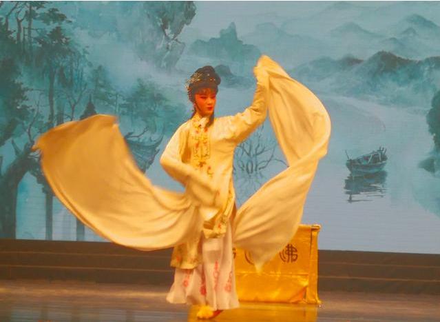 """福建省60部中小学生戏剧作品在厦门刮起""""竞演旋风"""""""