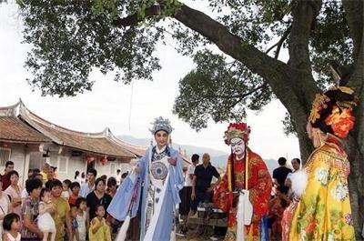 福建闽南古村埭美文化嘉年华活动上演