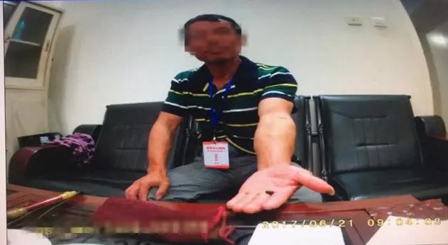 宁德一男子驾考作弊被抓 在身上查出微型摄像机