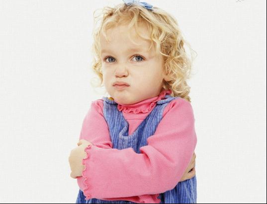 大闽育儿帮 宝宝不顺心就哭 生气 自残,怎么办