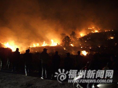 连江大火借风势蔓延烧毁山林几万亩