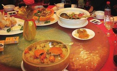 福州各大饭店剩菜流向何处 一酒店打包要签协