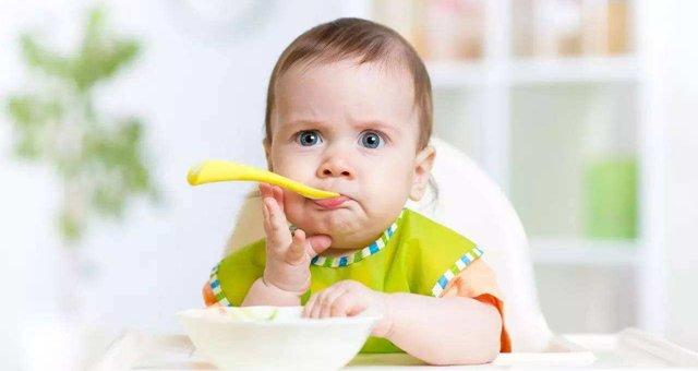 这5个表现说明宝宝营养不良了,妈妈不要忽视