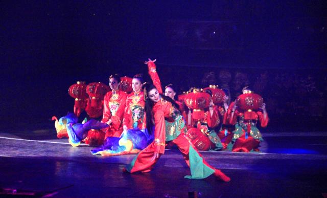 上万人共赴欢聚  厦门人自己的马戏春晚完美落幕