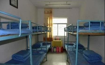兰州理工大学2009级的新生进校后,在刚拿到手的《宿舍管理条例