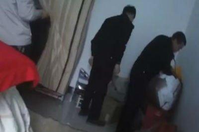 南平一男子家中被抓 警方搜查房子后有惊人发现