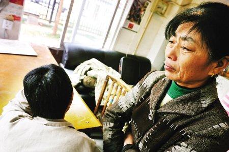 56岁门卫猝死遗体摆小区 确认死亡属于工伤