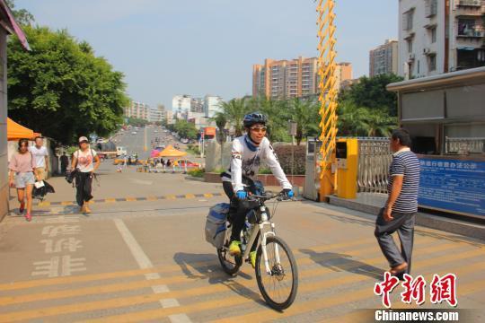 18天骑行千余公里 江西一大学新生骑行赴校报道