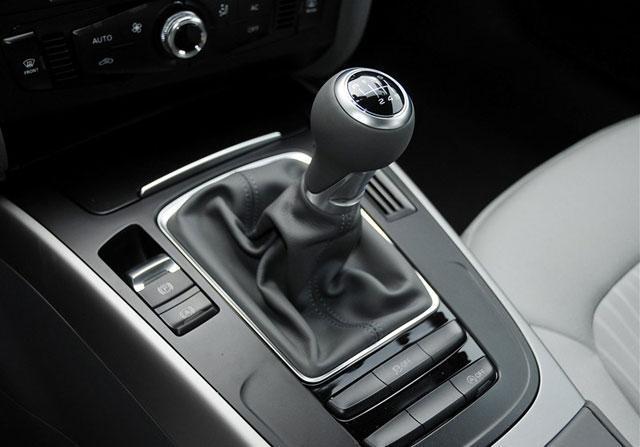 2015款奥迪A4L购车手册 推荐35TFSI标准型高清图片