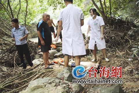 市漳浦县石榴镇东山村水库,一名男孩下水解暑,却不慎滑入深水区溺亡.