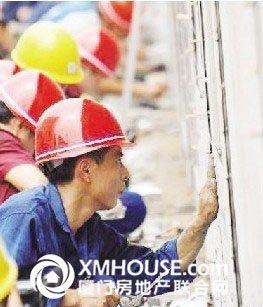 工人工资全年大涨超50%  厦门建筑工月入破万