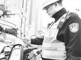 福州严查行人、电动车违法 7天查处2万多起