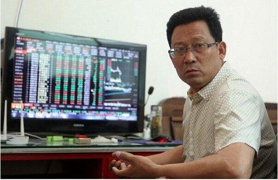 把股票引进南留村的是刘军航。