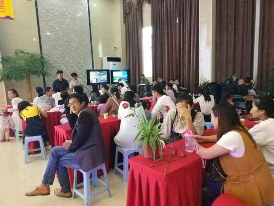 """阜阳国际服装城:""""桃李满天下 浓情谢师恩""""活动温馨启幕"""