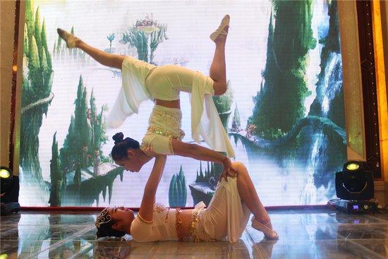 唯美的中国柔术表演