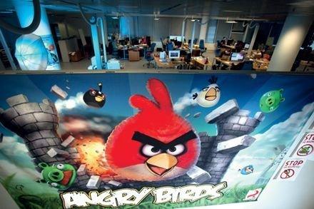 愤怒的小鸟下载5千万:每天游戏时间百万小时