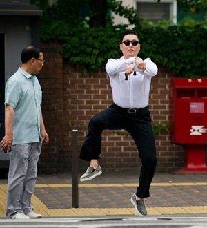 """2012年度十大网络流行语 """"�潘俊鄙钊肴诵�"""