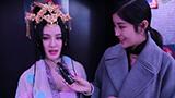 TGC现场采访苏妲己coser:和粉丝合影腰直不起