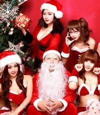 圣诞老人面色潮红 腾讯小编携美女庆圣诞