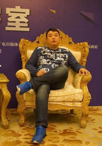 疯狂的IP热闹的游久游戏 无奈的刘亮