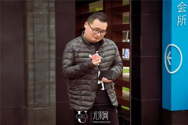 """coser约游戏宅男去宾馆""""学习"""" 结果..."""