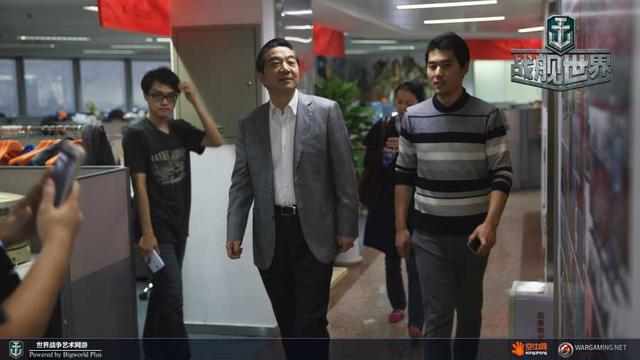 张召忠少将盛赞战舰世界 邀腾讯玩家加入