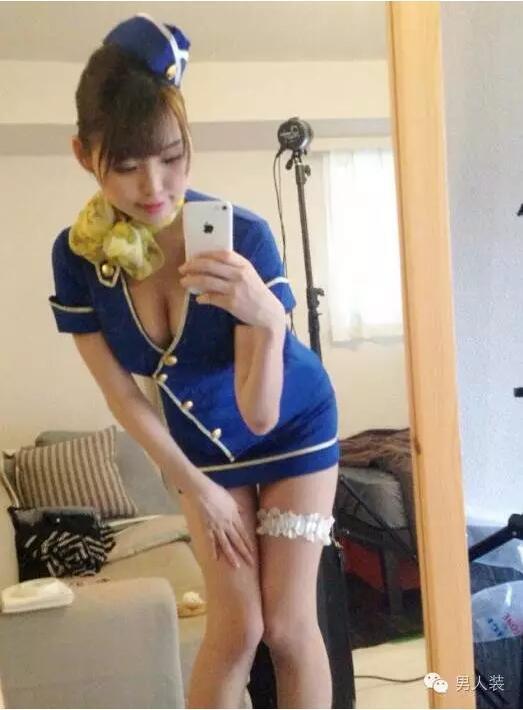 日本超短裙美女中学生_