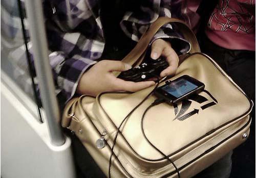 玩家PC游戏时间受手游冲击下挫至33% 未来或被超越