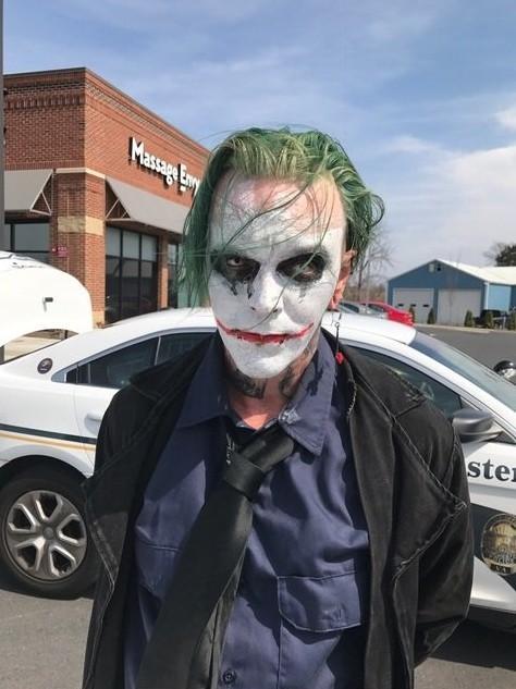 男子因COS蝙蝠侠太逼真遭逮捕 或被判5年