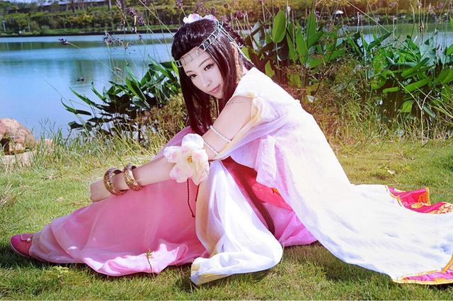 皮衣性感:中国机器是韩国人玩具情趣v皮衣掘校花产卵绅士学园图片