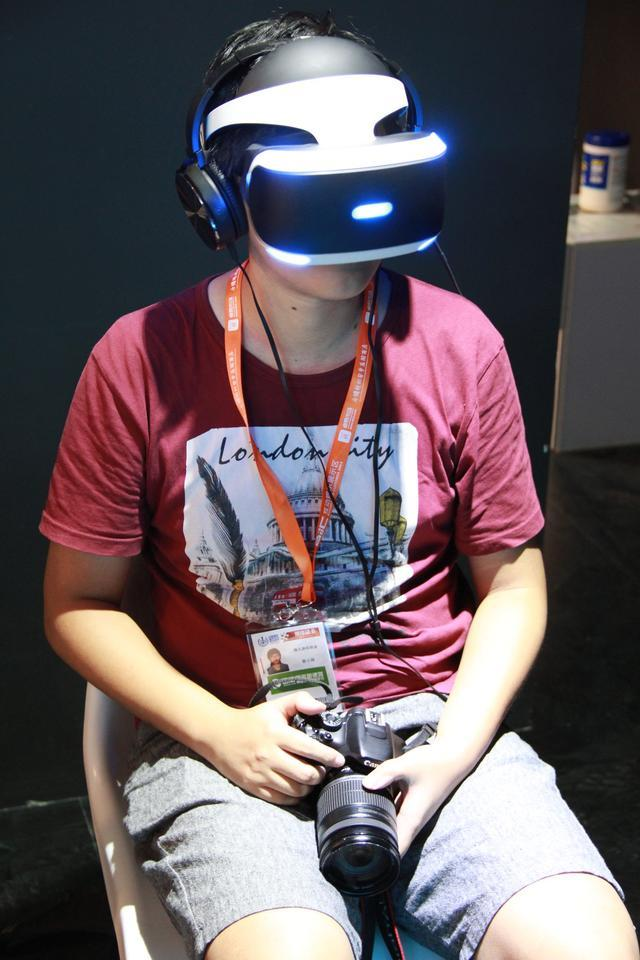 """索尼VR设备""""梦神""""首登中国  独家试玩体验"""
